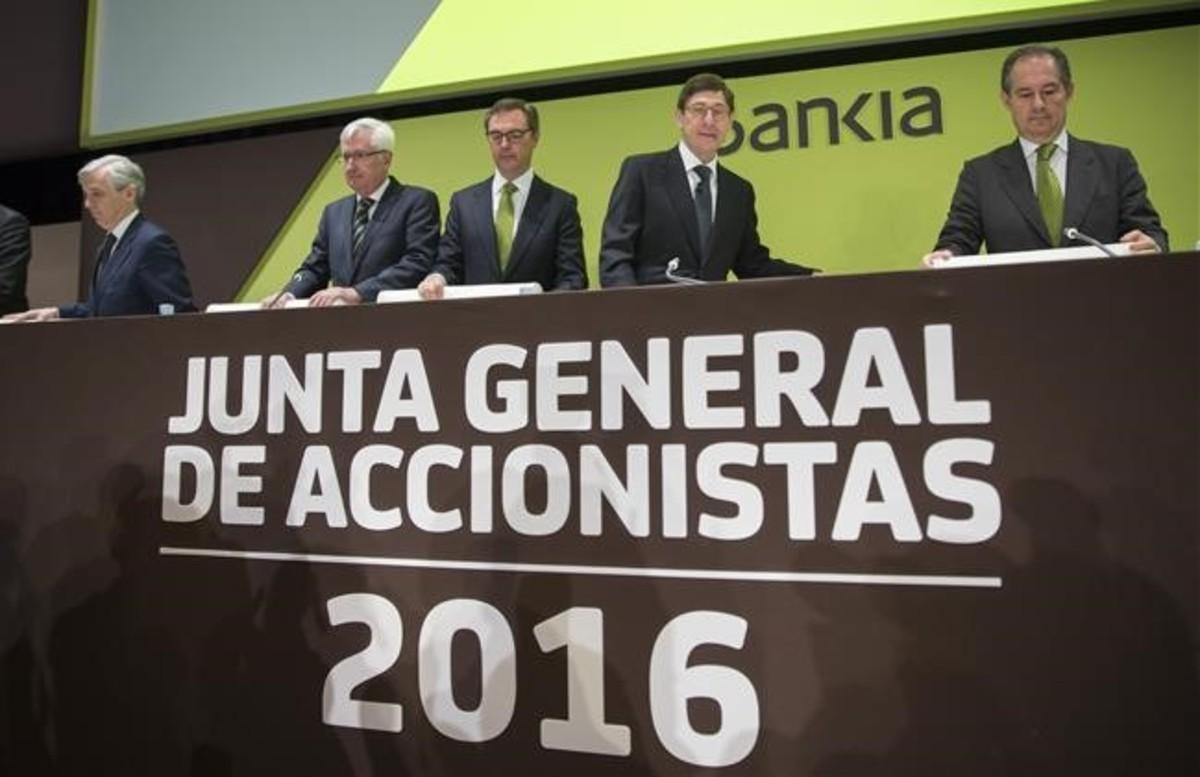 La salida a bolsa y las preferentes de Bankia costar�n al Estado 3.835 millones