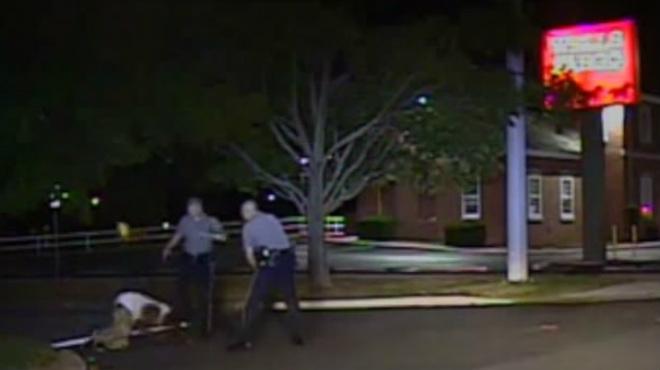 Nova agressió racista d'un policia contra un sospitós negre als EUA