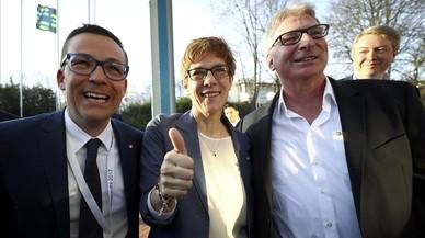 Los conservadores de Merkel derrotan al 'efecto Schulz' en el Sarre