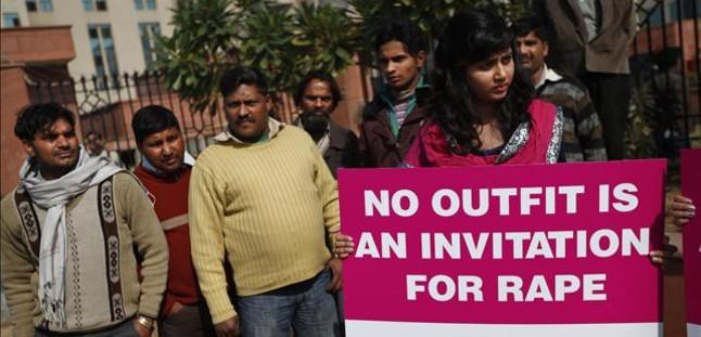 Una joven enfermera, violada en grupo en la India mientras la filman