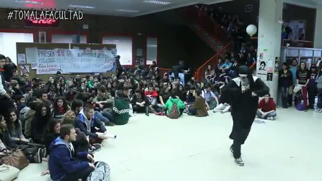El Harlem Shake organizado por 'Toma la Facultad', que llama a la huelga del 14-M