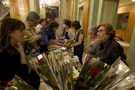 Rosas y libros, en Sant Jordi.