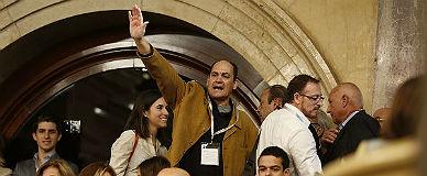 TVE oculta el saludo fascista en el Parlament