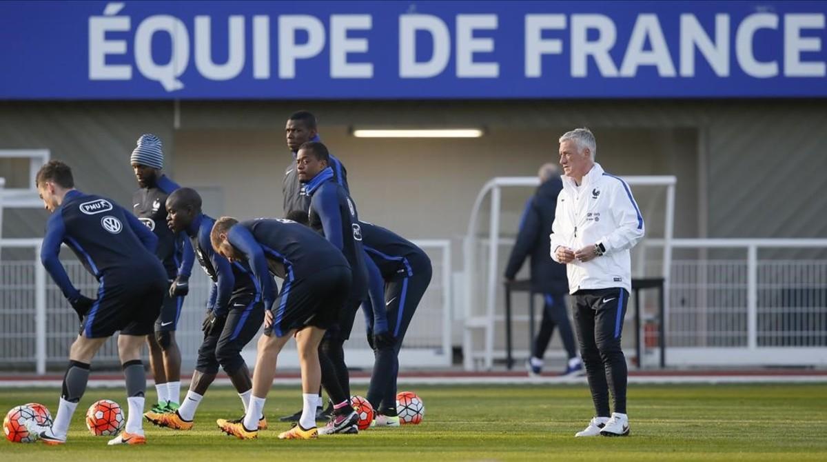 Entrenamiento de la selección francesa de fútbol, este martes en Clairefontaine, cerca de París