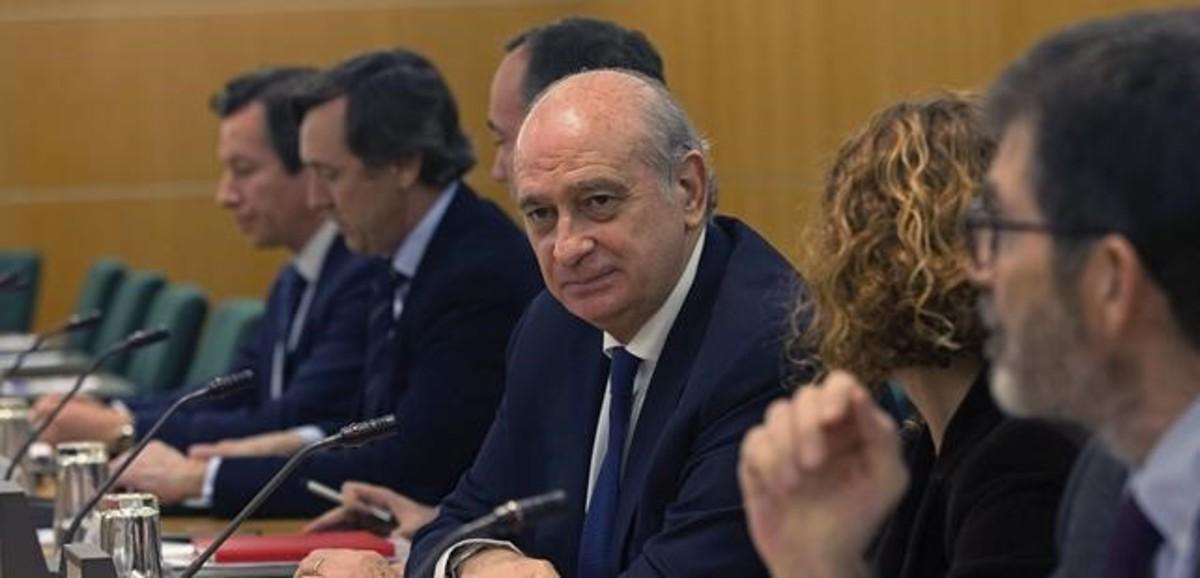 El ministro del Interior en funciones, Jorge Fernández Díaz, antes de viajar a Bruselas a la reunión de emergencia.
