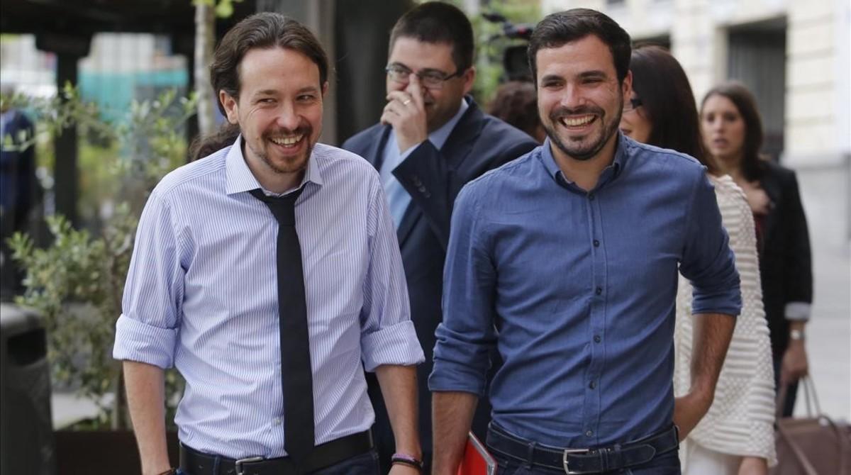 Pablo Inglesias y Alberto Garzón llega al Hotel Ritz de Madrid a un desayuno informativo.