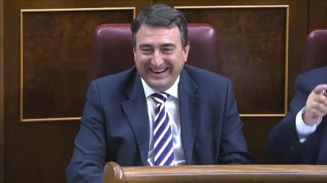 Aitor Esteban: Si bien me quieres, Mariano, da menos leña y más grano.