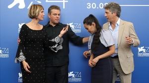 zentauroepp39866900 director alexander payne poses with actors matt damon krist170830172252