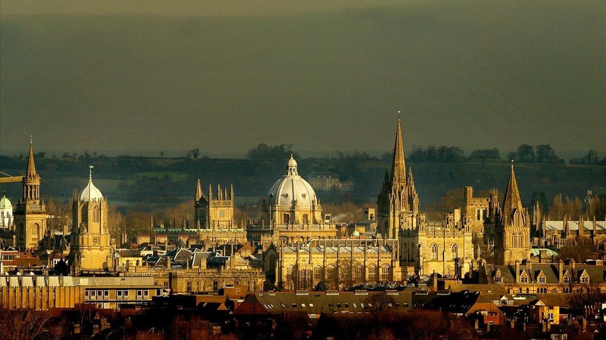 La Universidad de Oxford.