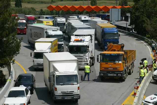 El RACC demana que els camions no paguin els peatges de l'AP-7 a Girona