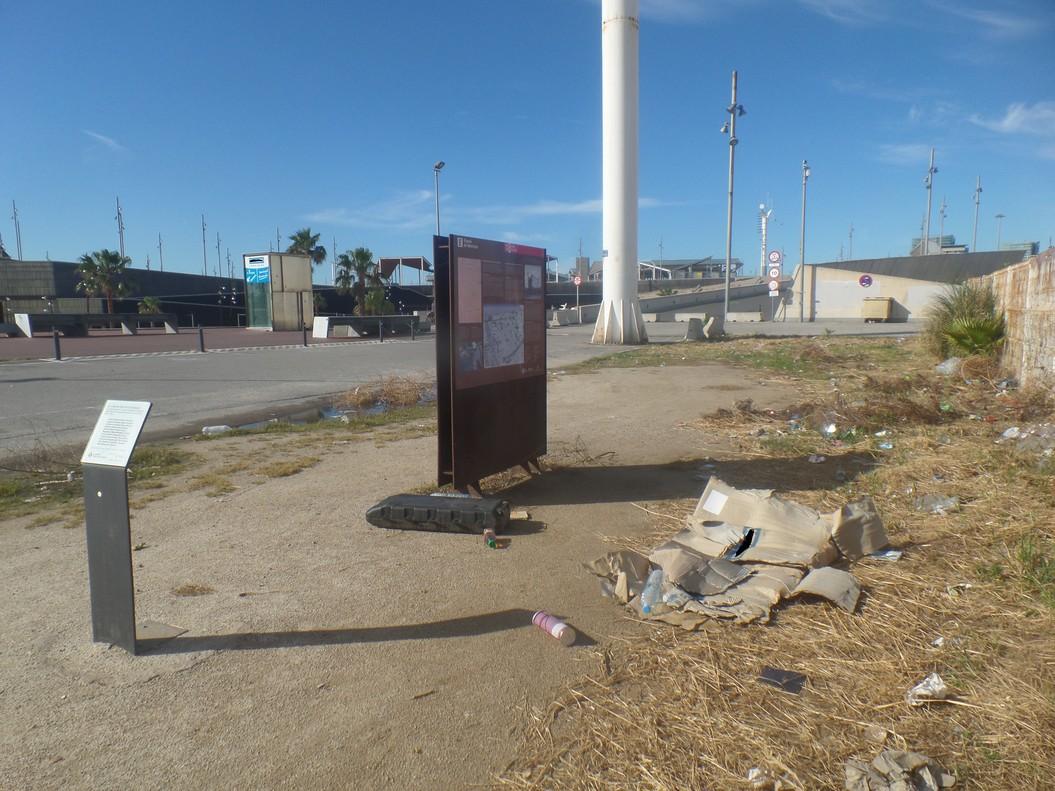 El Camp de la Bota, un espacio sucio y abandonado
