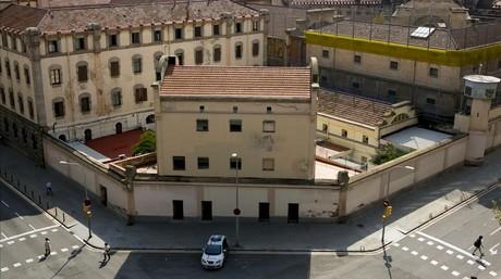 La cárcel Modelo, vista desde la esquina de Rosselló con Entença