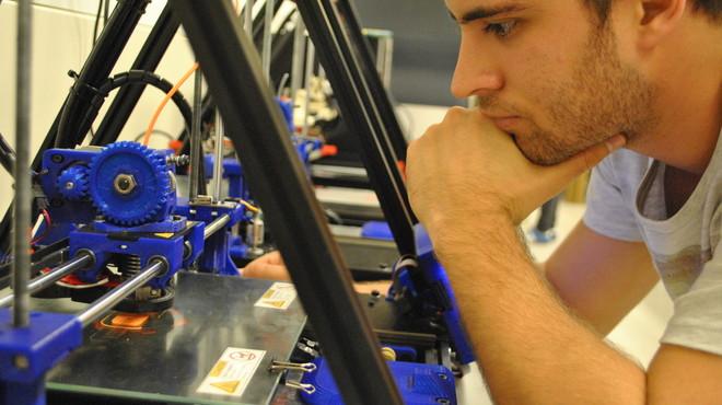 La UPC de Terrassa crea un nuevo laboratorio de producción 3D