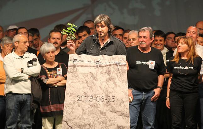 """Los huidos y deportados de ETA exigen su """"derecho a vivir en Euskal Herria"""""""
