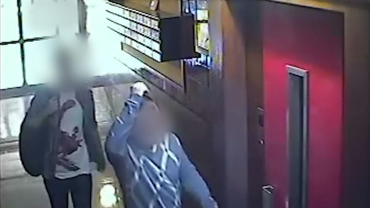 Los dos ladrones que robaban a ancianos en Barcelona simulando ser operarios de teleasistencia