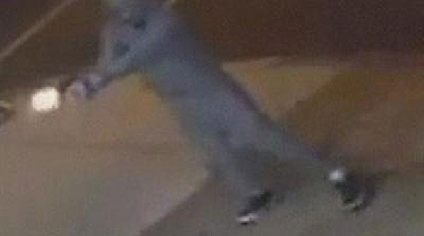 La policía de EEUU ha hecho público el vídeo de un tiroteo que parece sacado de una película de mafiosos.