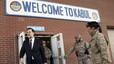"""Rajoy dice que si todos los espa�oles trabajaran con el """"empe�o"""" de los militares todo ir�a mejor"""