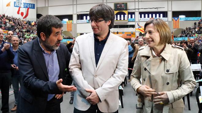 Sànchez, Puigdemont y Forcadell, en la asamblea de la ANC.