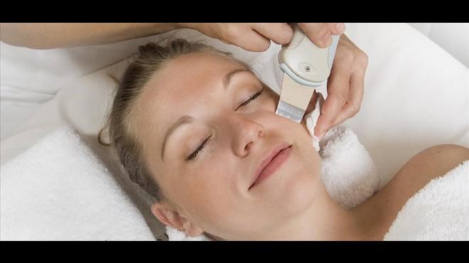 El Diagn�stico Facial One View es un programa para el diagn�stico cut�neo por imagen.