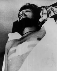 Germán Rodríguez en la morgue, asesinado de un tiro en la frente en la avenida de Roncesvalles de Pamplona, durante los Sanfermines.