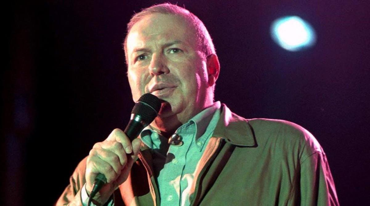 Actuación de Frank Sinatra Jr. en Bogotá, Colombia, en julio del 2011.