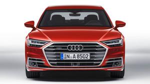 El Audi A8 ofrece un frontal de estilo deportivo.