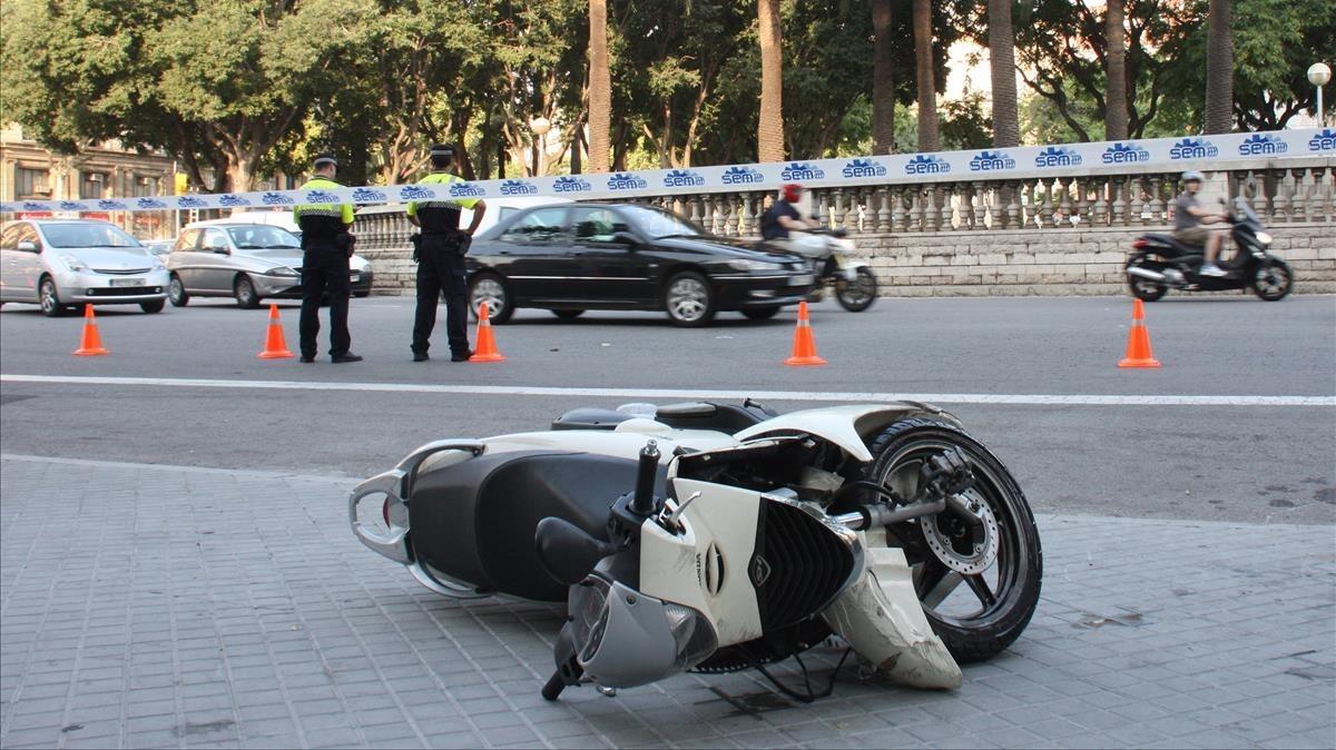 Accidente de moto en Passeig de Sant Joan