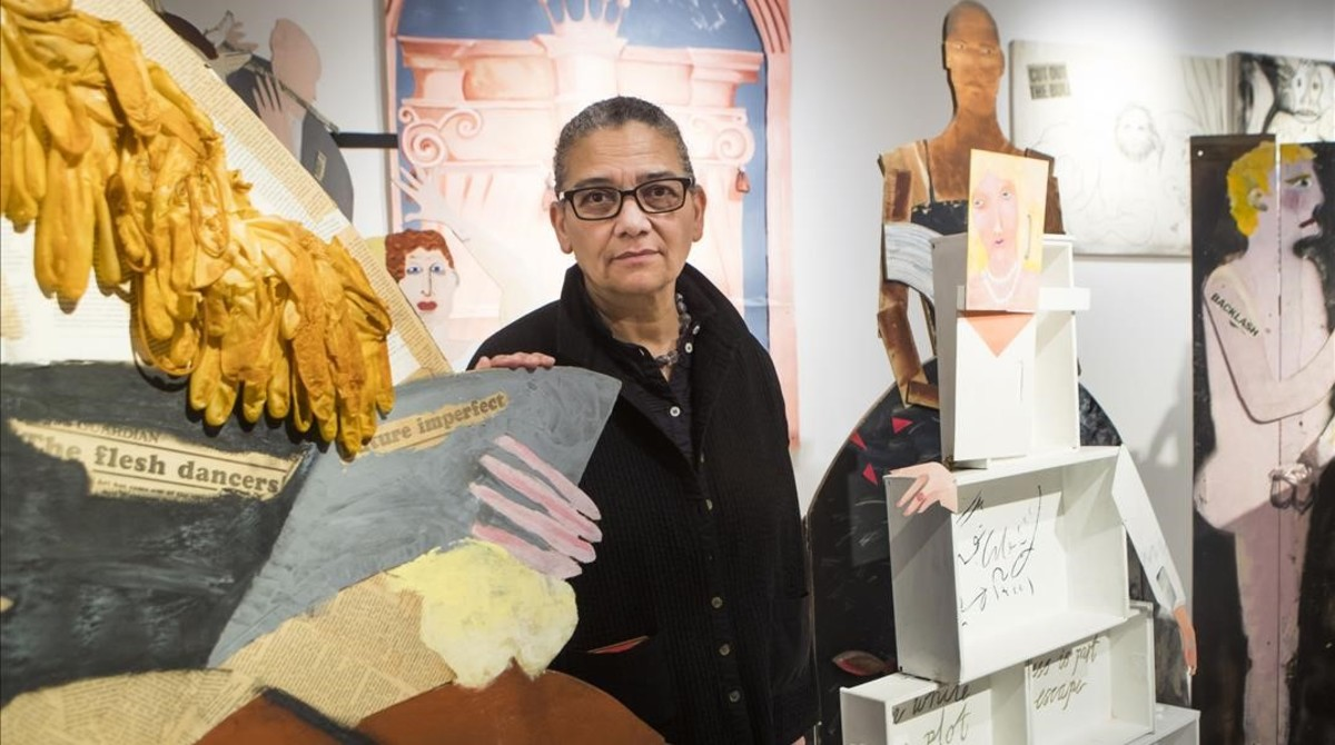 zentauroepp41206925 winner of turner prize 2017 lubaina himid poses with one of 171206165956
