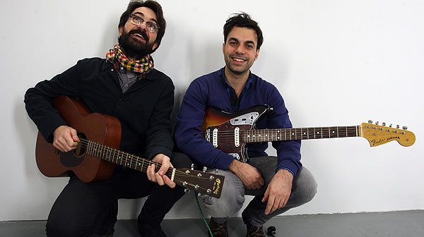 La Sentina interpreta en ac�stico para EL PERI�DICO el tema 'Falconades'.