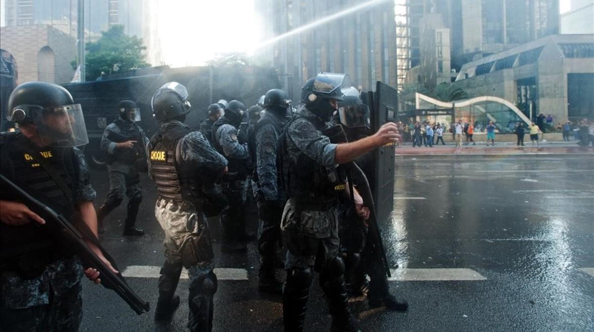 El Partido de los Trabajadores de Brasil sale a la calle a defender a Rousseff y Lula