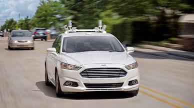 Ford llançarà el seu primer cotxe autònom sense pedals ni volant el 2021
