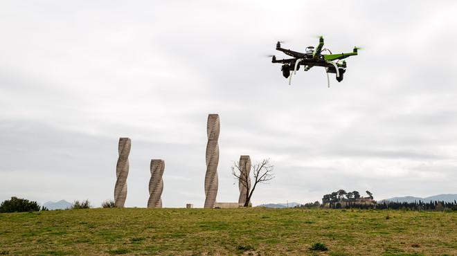 Drons contra avions