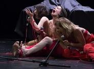 Tres de las protagonistas de 'F.R.A.U', en una escena.