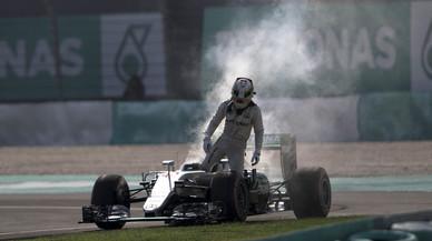 El Mercedes deixa tirat Hamilton a Malàisia