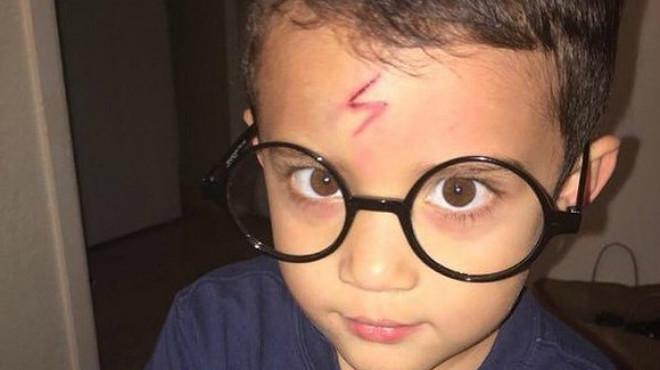 Una mare 'converteix' el seu fill en Harry Potter per convèncer-lo que vagi a l'escola