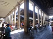 Rinc�n de la Boqueria donde esta manana la guardia urbana ha retirado las mesas que ocupaban los laterales.