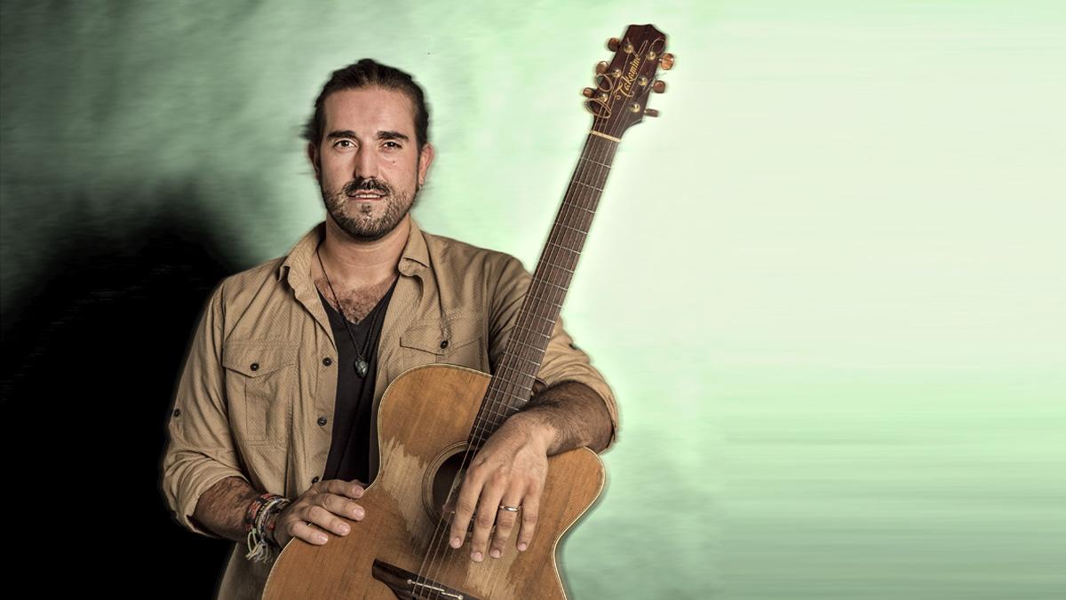 Andrés Suárez interpreta en acústic 'Damaque pinta en el sur'.