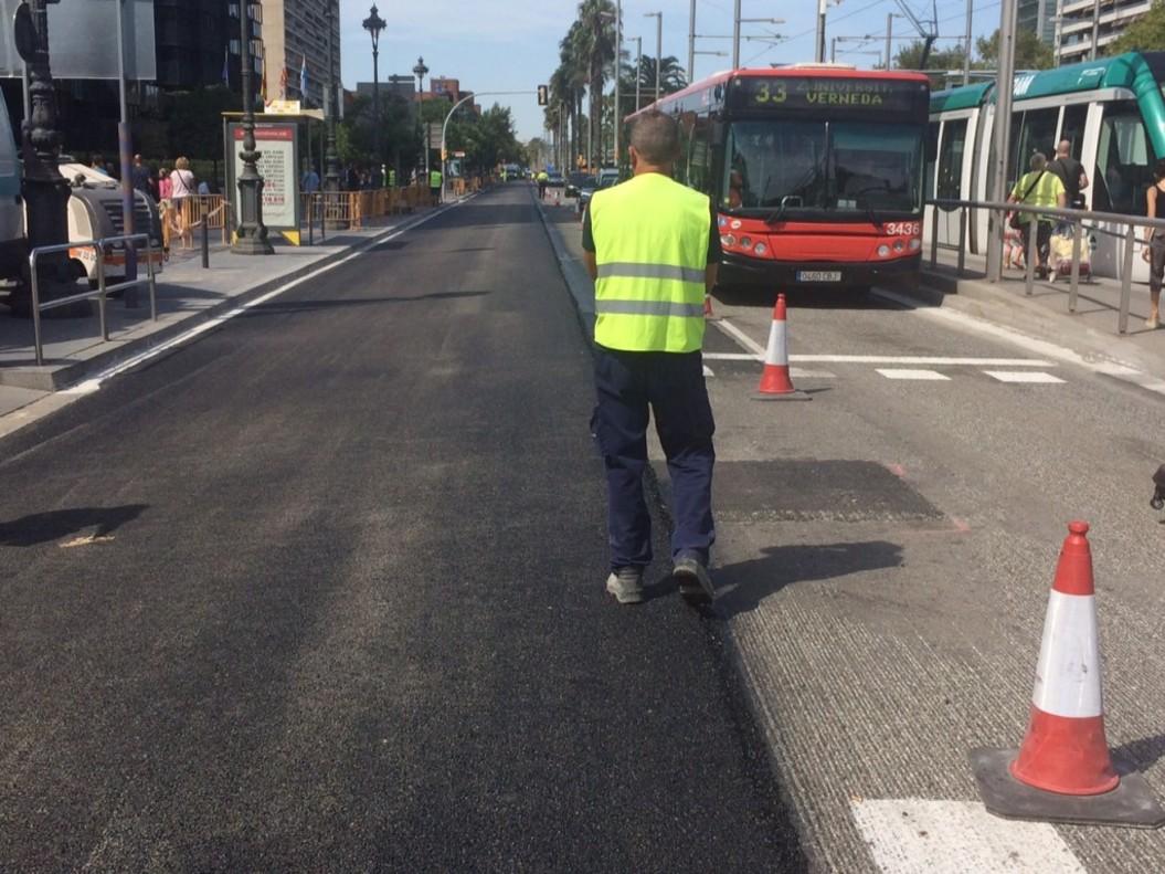 Barcelona destina 40 millones para el mantenimiento de los for Pavimentos barcelona