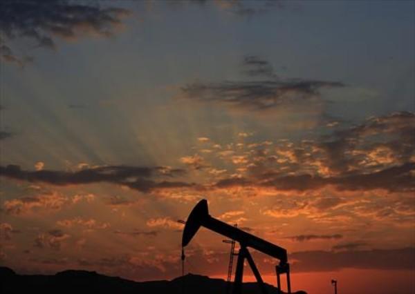El petróleo despega pese al apoyo tibio de Irán a moderar la producción