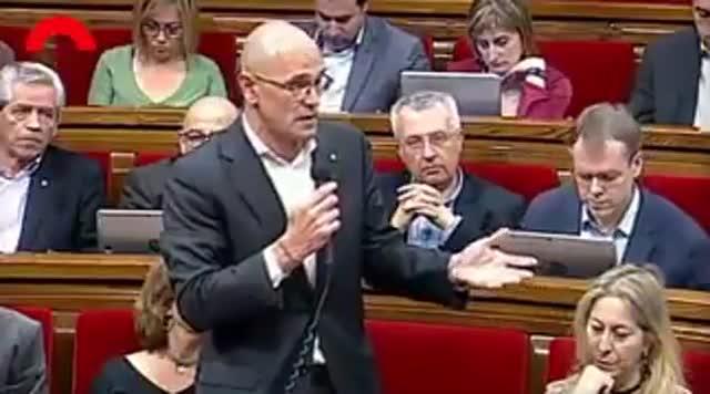 Romeva acusa a Ciudadanos de rodearse de falangistas en la manifestación de Societat Civil
