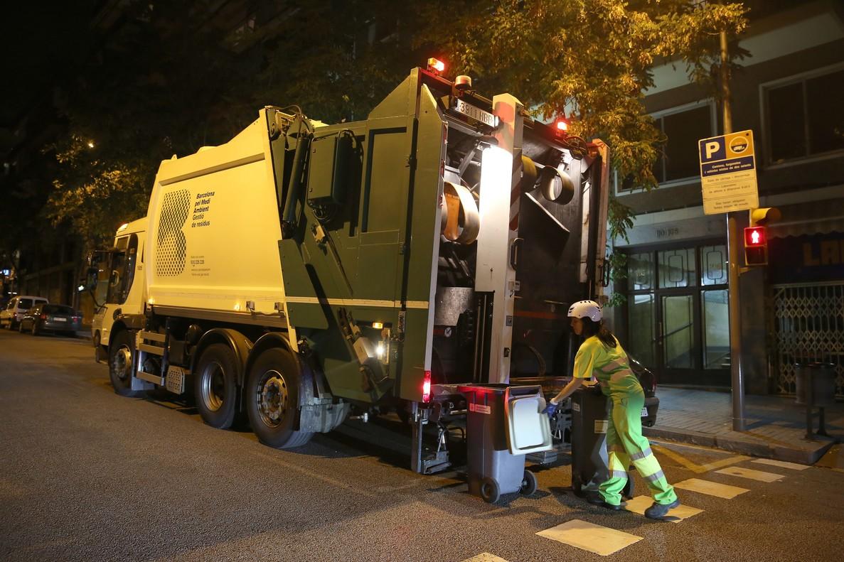 El ruido de los camiones de basura es contaminaci n - Calle escorial barcelona ...