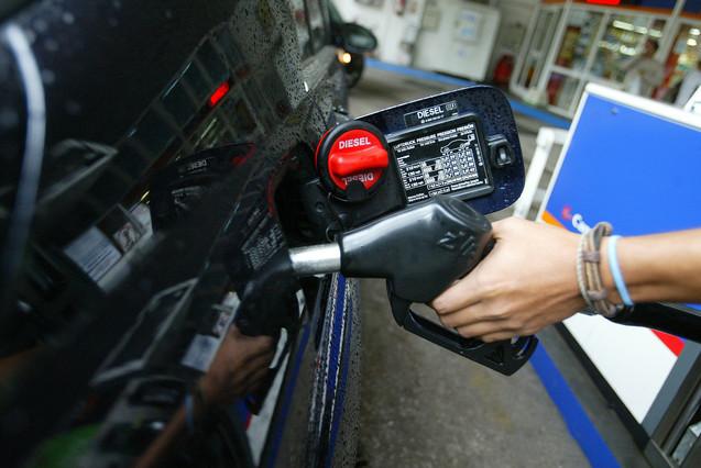 El gasóleo cuesta lo mismo que hace seis años