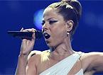 Foto de Pastora Soler interpretando en Eurovisión su 'Quédate conmigo'