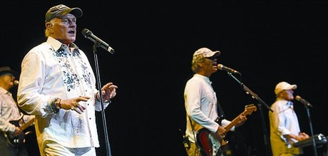 THE BEACH BOYS 3 No podran llamarse The Beach Senior Citizens?