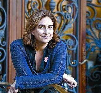 Ada Colau, ahir davant el Col�legi d'Advocats de Barcelona.