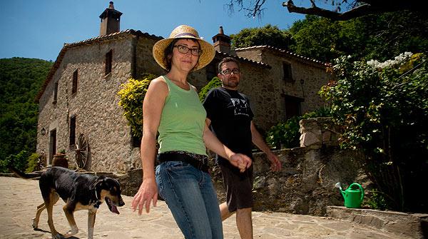 Reinventados. Tras dejar sus respectivos trabajos, Noemí Ricós y Jaume Colomé se pusieron al frente de la masía El Buxaus, en el Montseny.