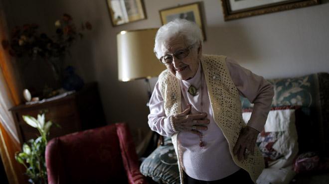 Gallardón desahucia a Inocencia Zofio Cajal, de 104 años.