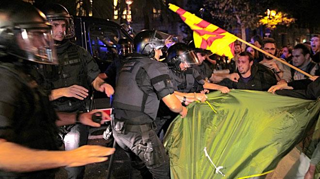 El Gobierno blinda sus sedes con m�s polic�as y mossos