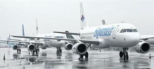 Aeroplans de Spanair al Prat, el gener del 2012, quan es va comunicar el tancament de laerolínia.