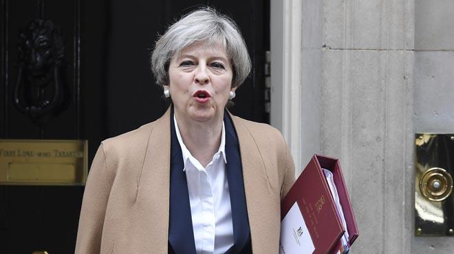 May amenaza a la UE con debilitar la cooperación en seguridad si no alcanza su objetivo económico